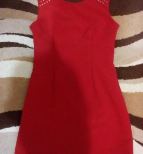 Платье на девушку
