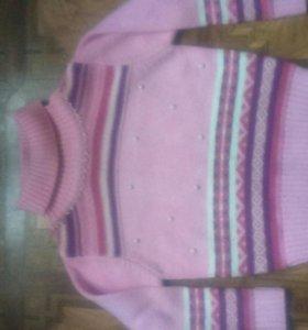 свитер на девочку 4-6лет.