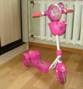 Самокат трехколесный для девочки