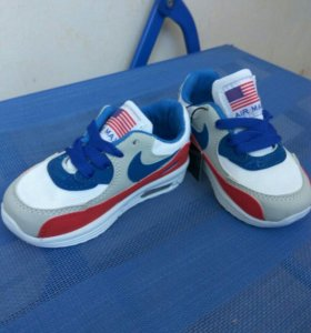 Новые кроссовки 23 размер