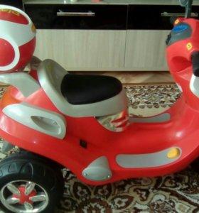 Детский скутер.