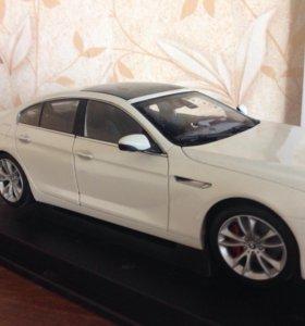 Модель 1/18 BMW 650i