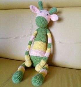 Вязанная игрушка жираф
