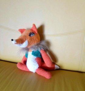 Вязанная игрушка лиса