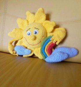 Вязанная игрушка солнце