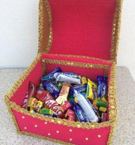 """Подарок """"Сундук с конфетами"""""""