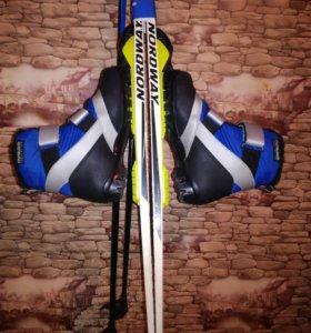 Лыжи с ботинками(палки в комплекте)