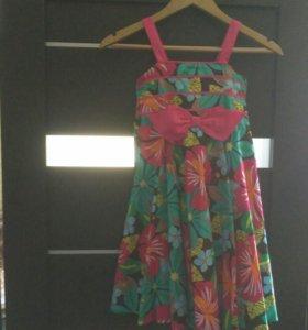 Платья для девочки за 2 шт 900 руб.
