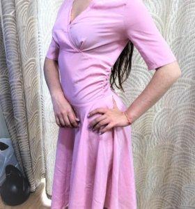 Шифоновое пудровое платье