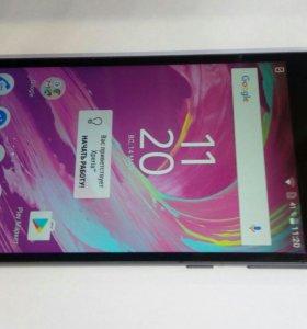 Смартфон Sony E5