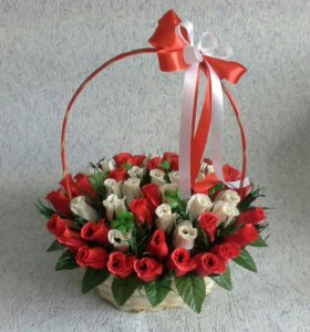 Корзинка из 55 роз