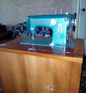 швейная машинка Чайка.