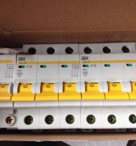 Автоматический выключатель 3-полюсной 16А