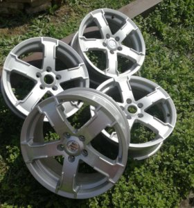 Диски литые R17 Suzuki Grand Vitara оригинальные.