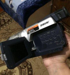 прадаю видео камеру