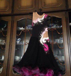 Чёрное платье Ю-2 латина