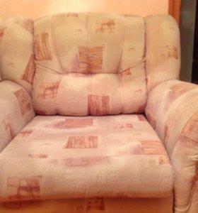 Диван угловой и  кресло-кровать, торг уместен