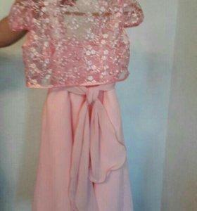 Нарядное платье для девочки 8- 10 лет.