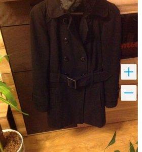 Чёрное двубортное пальто 40-42