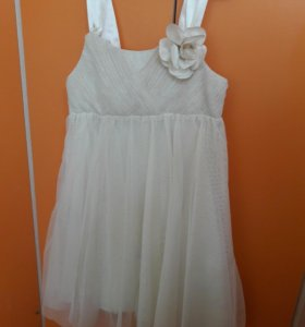 Нарядное платье НМ 116р-р