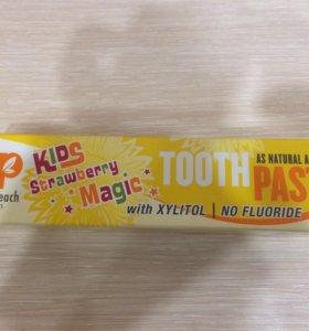 Детская зубная паста из США.