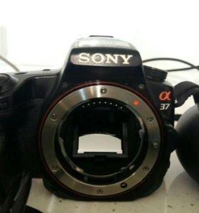 Зеркальное фотоаппарат Sony alpha a 37 kit