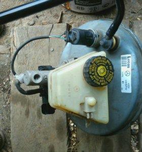 Главный тормозной и вакуумный уселитель с реле