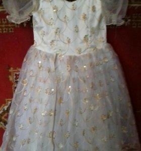 Платье на маленькую девочку