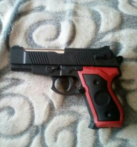 Пистолет с пулбками