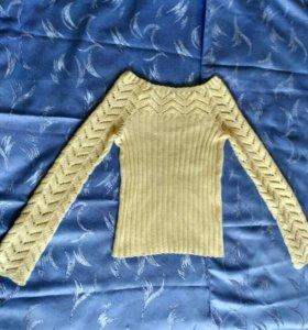 Вязаная кофточка, рубашка и  джинсовая юбка