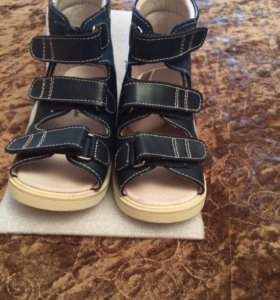 Ортопедическая обувь( от косолапости)