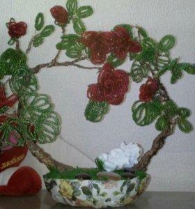 Дерево с розами из бисера