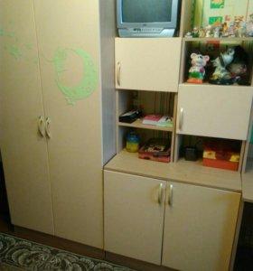 Продам детскую стенку со шкафом