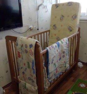 Детская кровать с матрасом,бортиками,одеялом+белье