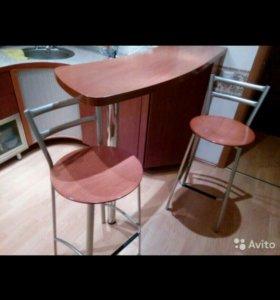 Барная стойка, три барных стула