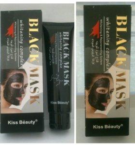 Черная маска Kiss Beauty 120g