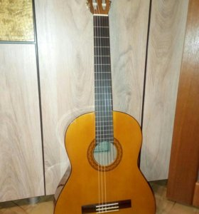 Гитара Yamaha c40(гладкая)