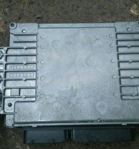 Блок управленния двигателем