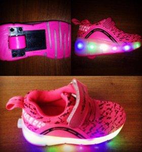 Светящиеся кроссовки на роликах