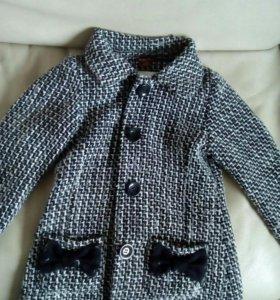 Пальто для девочки.116-122р.Голландия.