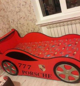 Деская кровать