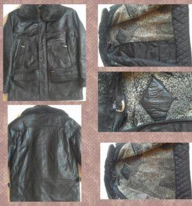 Новая кожаная мужская куртка.
