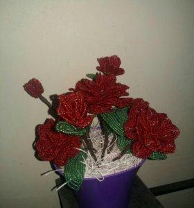 Цветы из бисера (ручной работы)