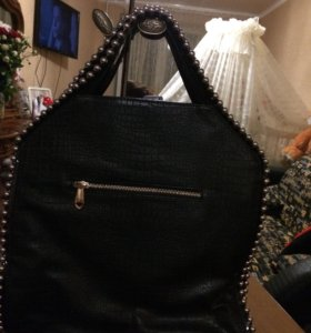 Женская кожаная сумка (бренд)