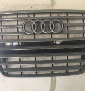 Решётка радиатора Audi