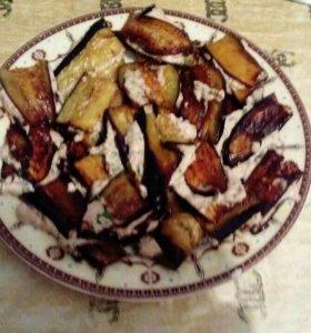 Жаренный бакладжан с чесночно-ореховой начинкой