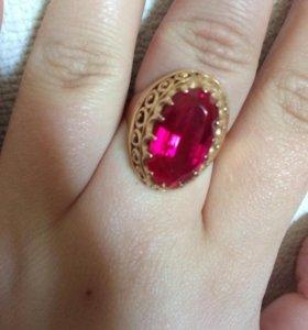Перстень женский