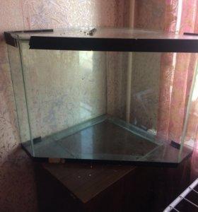Продам угловой аквариум