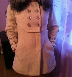 Пальто натуральное с мехом от Raslov
