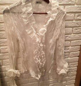 Блузка с люрексом белая